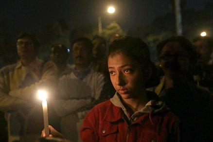 20140102_india_stupri